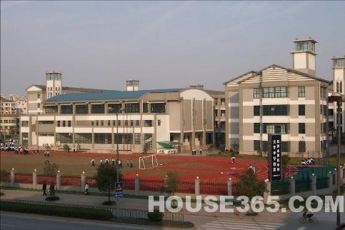 杭州学区房 西湖区 翠苑中学文华校区学区房  价格区间: 10674 - 49