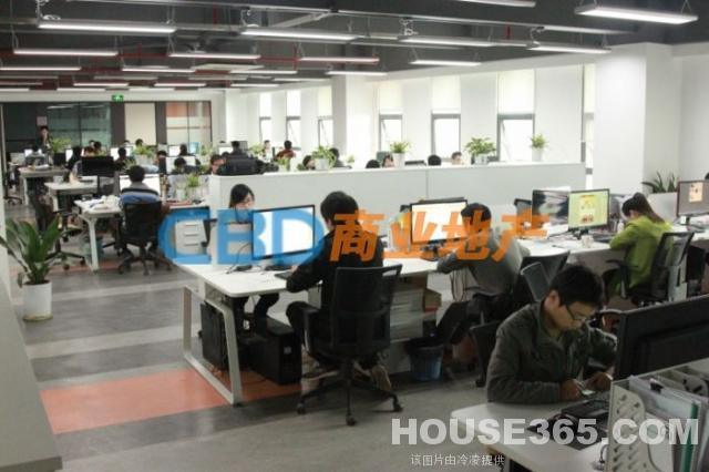 南京房屋出租信息 雨花台 宁南 华博智慧园 软件大道地铁口 3000平 可