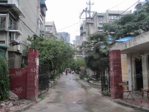 汉中门大街莫愁新寓迎街旺铺地势好人流量大适合多种行业