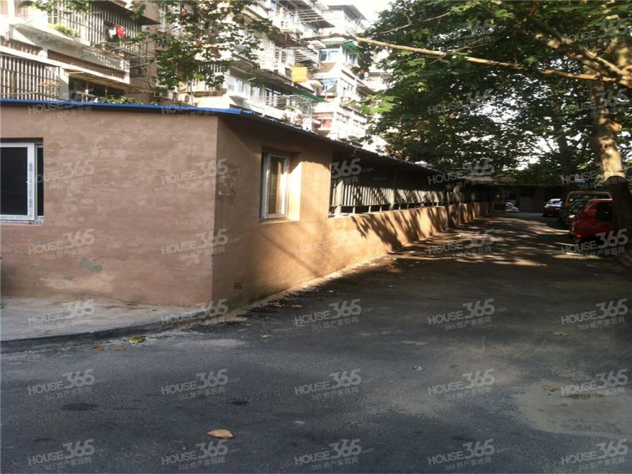 热河南路308号2室1厅1卫61平米2004年产权房简装