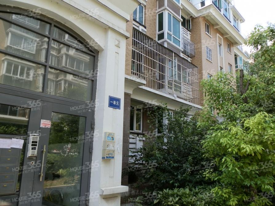恒辉翡翠城2室2厅1卫89.7平米简装产权房2008年建