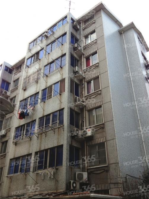 新城花苑3室2厅1卫88.24平米2004年产权房精装
