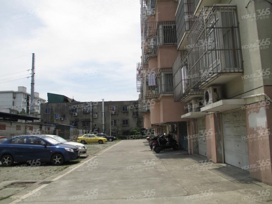 姑苏区湄长新村3室1厅2卫94.6�O
