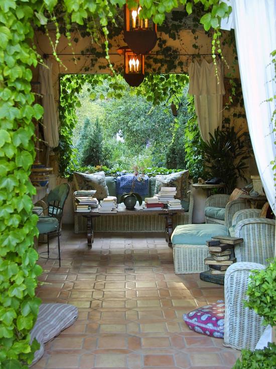 突出常绿树而少用鲜花庭院对水的处理极为重视